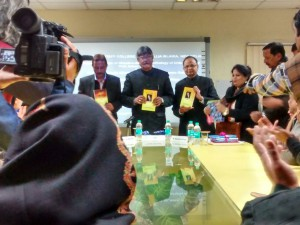 Jamia VC releases books of poetry and short stories