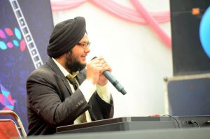 Meet this Pianist from DU's Khalsa College who astonishes everyone with his magical fingers