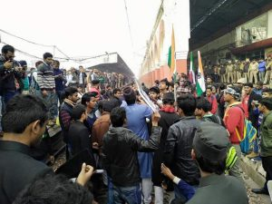 Hundreds of AMU Students arrested during #RailRokoAndolan to demand justice for missing JNU student;Later released