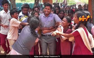 """Students created a barrier with love and affection for stopping their beloved teacher """"Don't go sir!"""""""